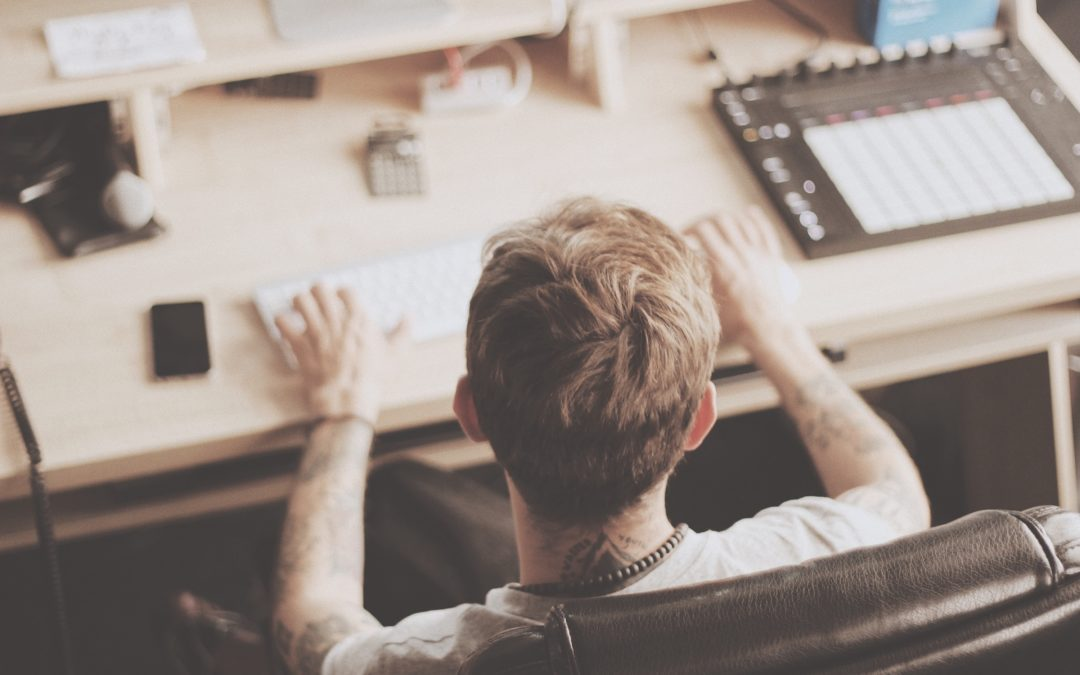 5 Essential Management Tools for Indie Artists